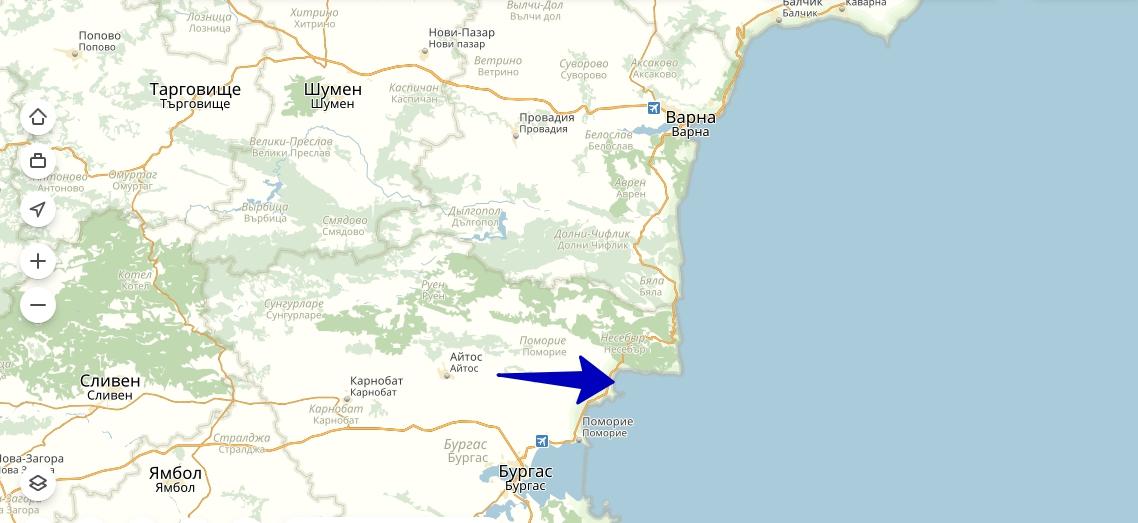 Солнечный Берег расположен между двумя крупными городами Юго-Восточного побережья, имеющими международные аэропорты: Бургасом и Варной.